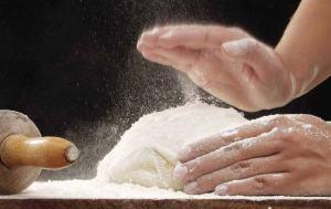 farina-di-qualita-preparazione-pizza-digeribile